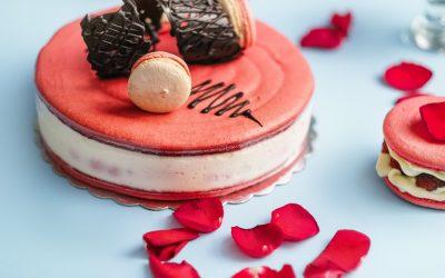 Pièce montée, gâteau de mariage, baptême ou communion